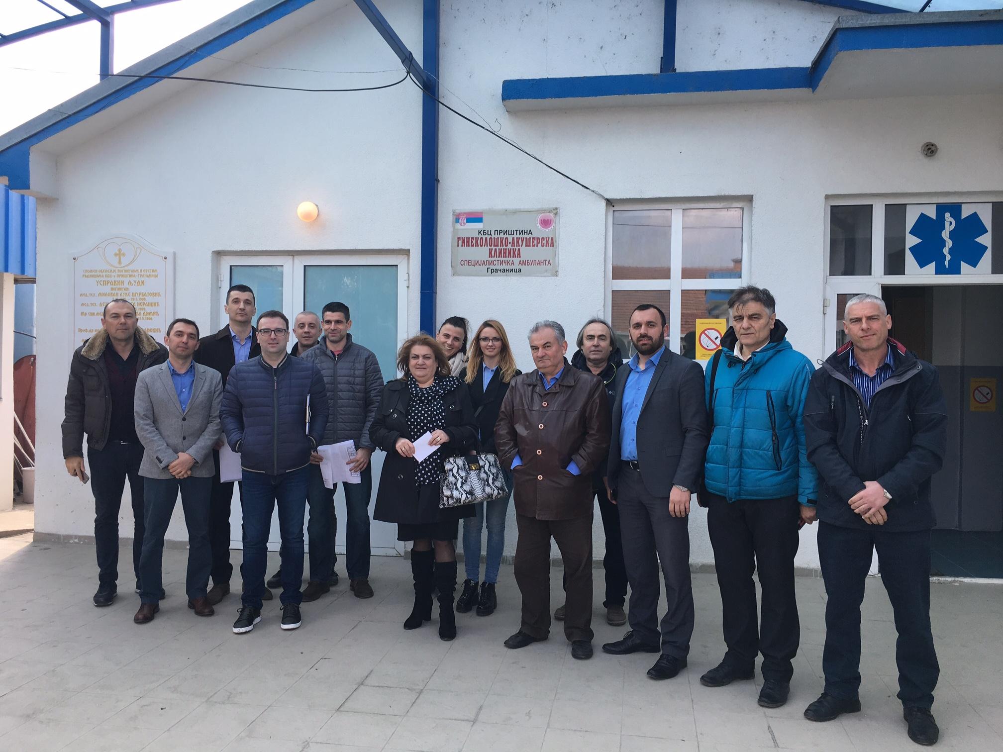 RES fondacija sa partnerima iz Gracanice posle energetskog pregleda bolnice u Gracanici
